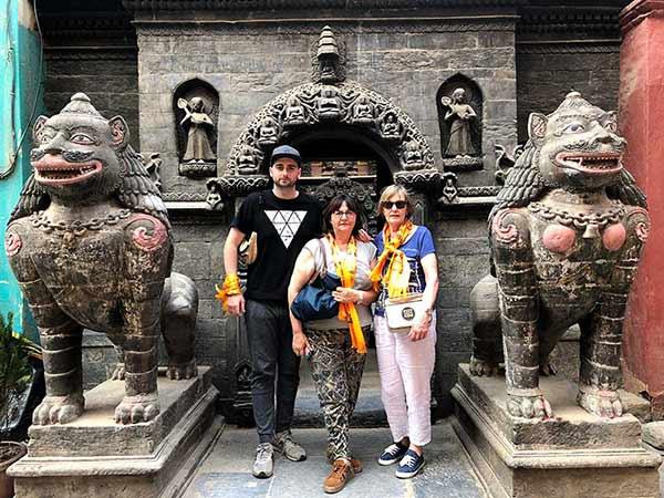 Valoración de viaje a India y Nepal de Pilar, Aurora y Mikel:: en Katmandú