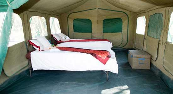 CAMPAMENTO MÓVIL TIPO TENT CAMP CON BAÑO EN CADA TIENDA EN MOREMI Y CHOBE - Safari Botswana Norte y Cataratas Victoria