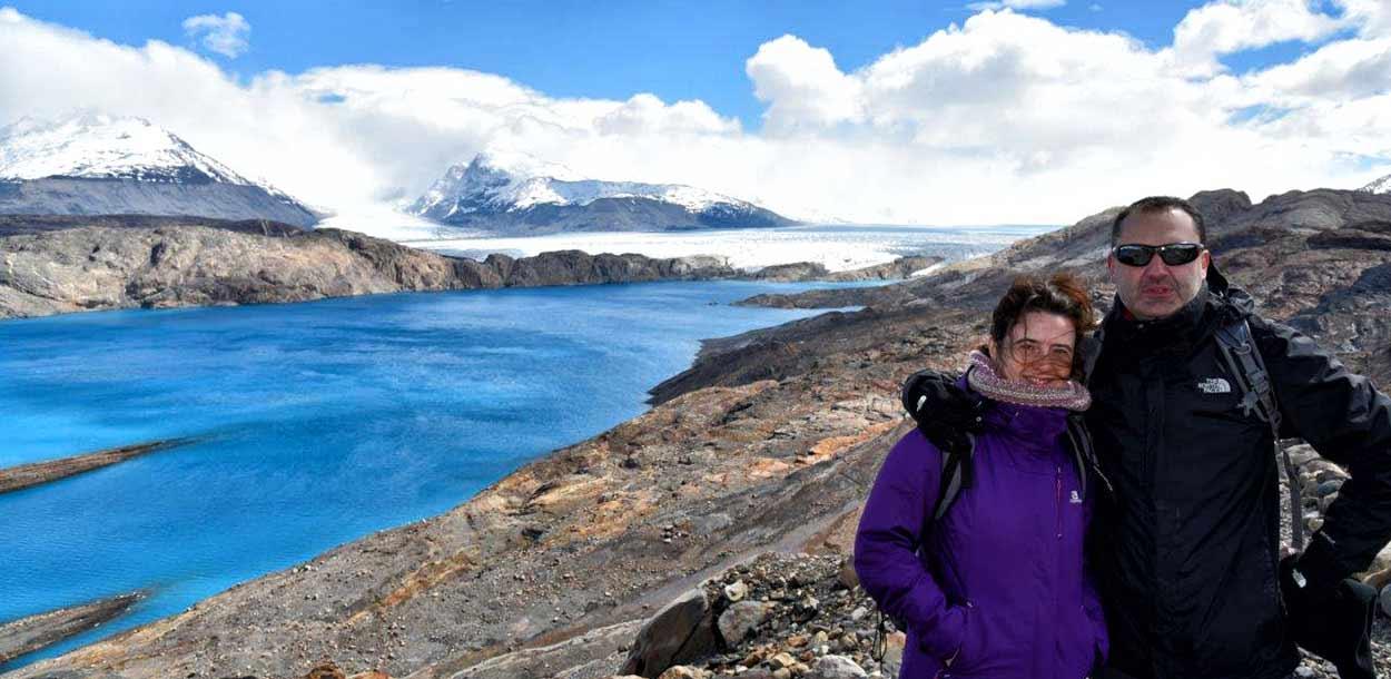 Testimonio de Viaje a Argentina y Chile de Javier y Elena - con el Glaciar Upsala de telón de fondo