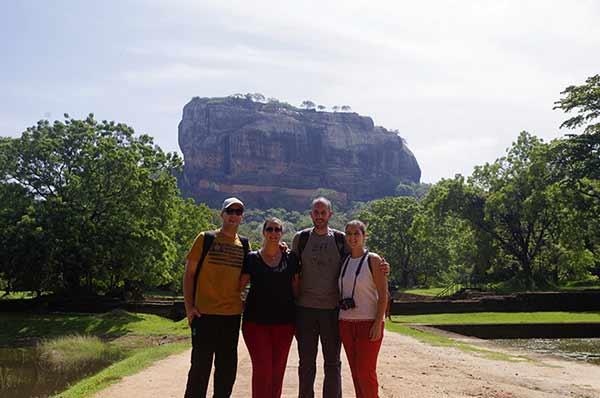 Valoración de viaje a Sri Lanka y Maldivas de Mari, Elena, Diego y José Carlos - con Sigiriya de telón de fondo