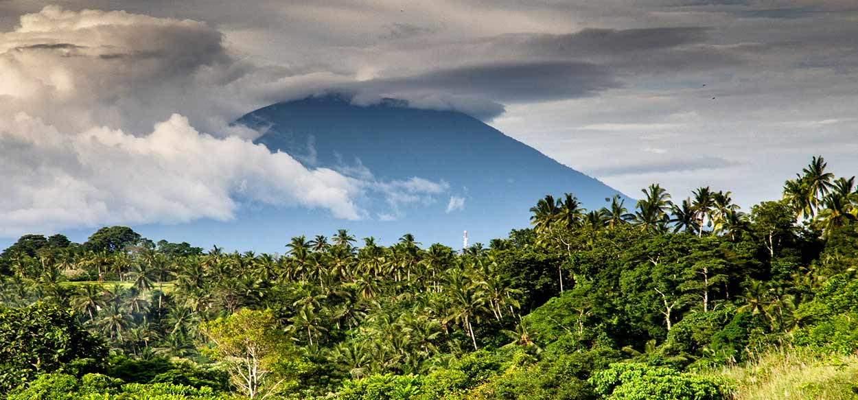 COSTA RICA ESENCIAL - Imagen de Rudy and Peter Skitterians en Pixabay
