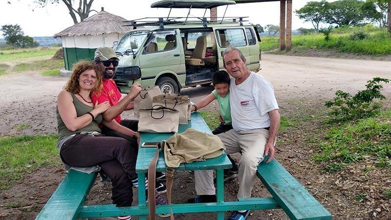 Viaje a Uganda de Ana y familia 02