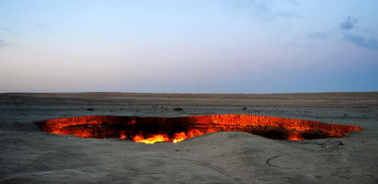 Cráter de gas de Darvaza (Turkmenistán) - Ruta de la Seda Completa - Turkmenistán, Uzbekistán, Tayikistán, Kirguistán y Kazajistán de 14 noches