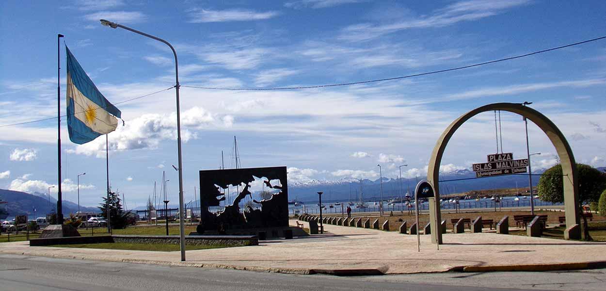 Plaza Islas Malvinas - Gastón Cuello - Qué ver y hacer en Ushuaia