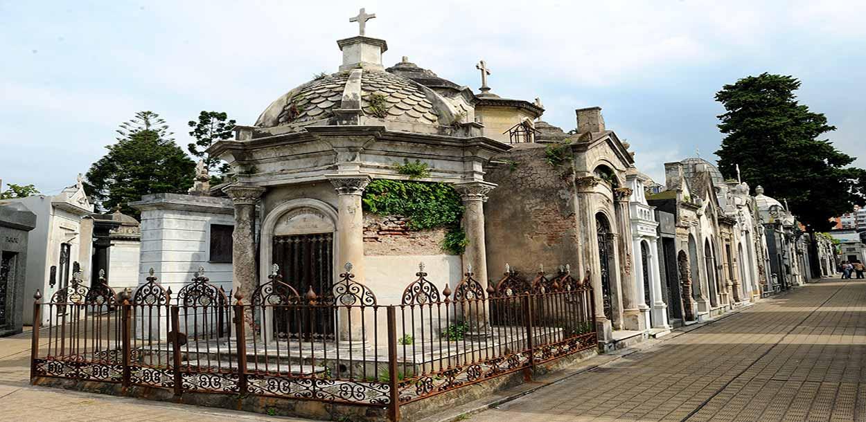 Cementerio de la Recoleta: - Tim Adams from San Francisco un museo al aire libre - Excursiones en Buenos Aires