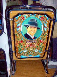 El arte popular decorativo típico de la ciudad, el fileteado - Roberto Fiadone - Turismo de Buenos Aires