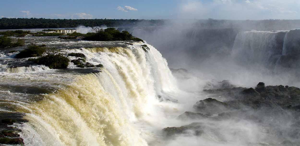 VISITAR LAS CATARATAS DE IGUAZÚ: QUÉ VER Y HACER, LA GUÍA COMPLETA