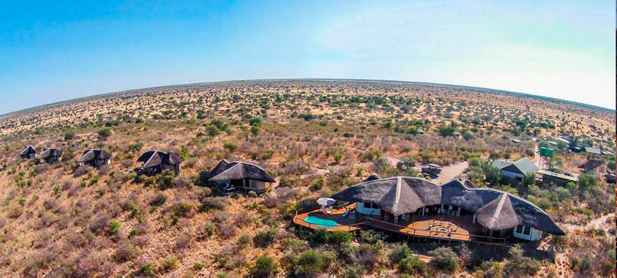 Tau Pan Lodge - SAFARI BOTSWANA EN PRIVADO