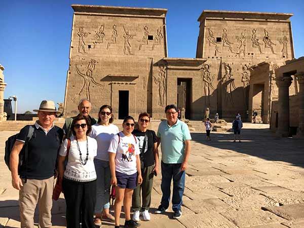 Testimonio del Viaje a Egipto de Regina, familia y amigos: en Edfu