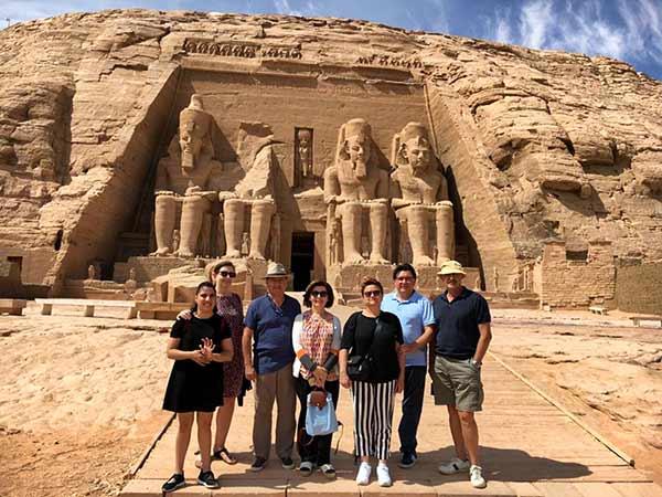 Testimonio del Viaje a Egipto de Regina, familia y amigos: en Abu Simbel