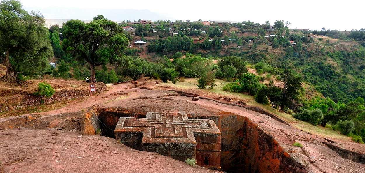 Iglesia tallada en la roca de Lalibela - Etiopía Norte en privado
