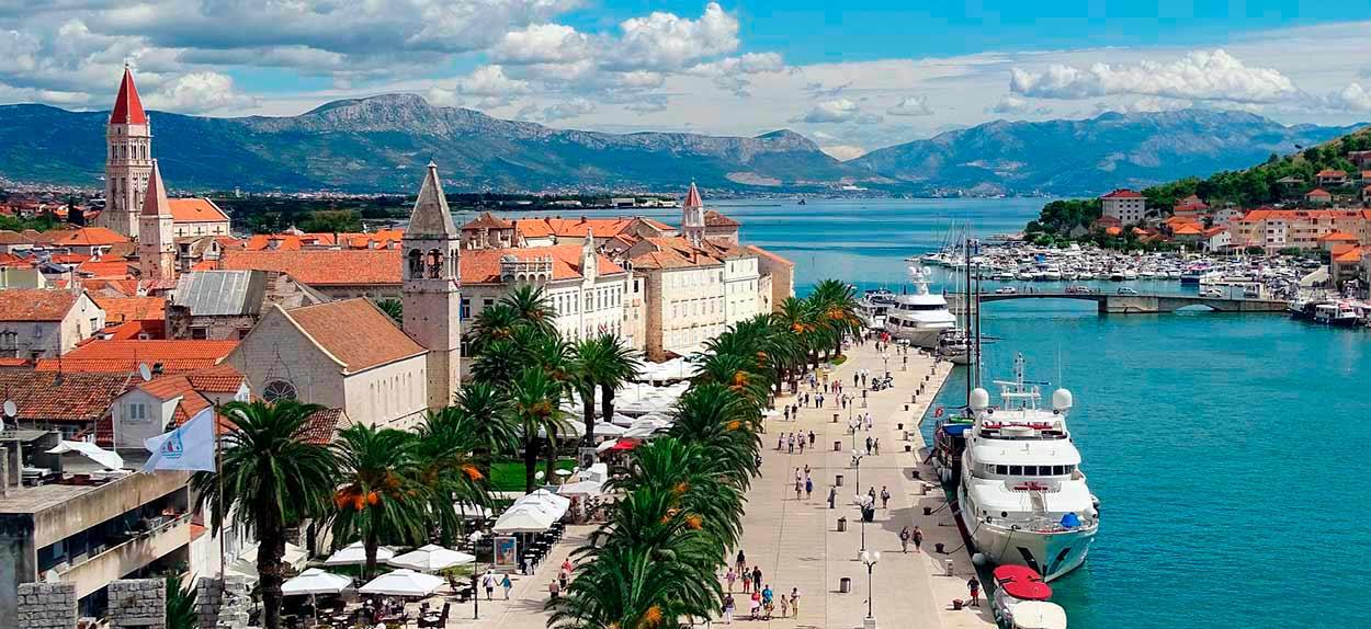 Trogir, el complejo románico-gótico mejor conservado de toda la Europa central - Image by neufal54 from Pixabay - Tour de Croacia de salida garantizada con guía en español