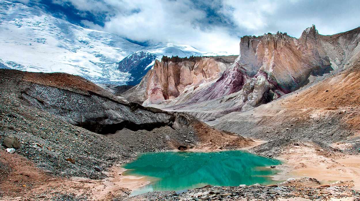 Turismo de Kirguistán - Glaciar Lenin (a pies del pico Lenin). Pamir, Kirguistán