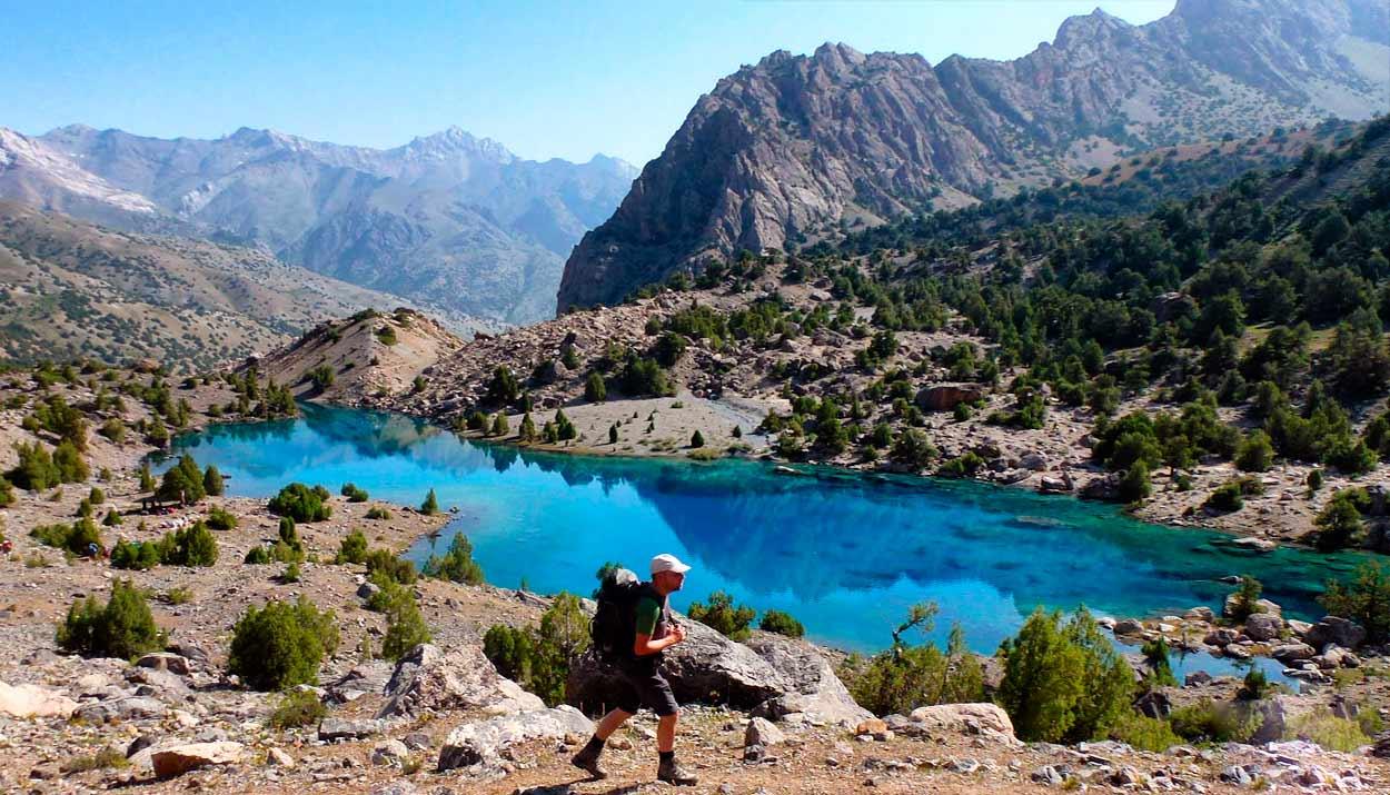 trekking - 14 Razones para viajar a Kirguistán, el país de las montañas celestiales