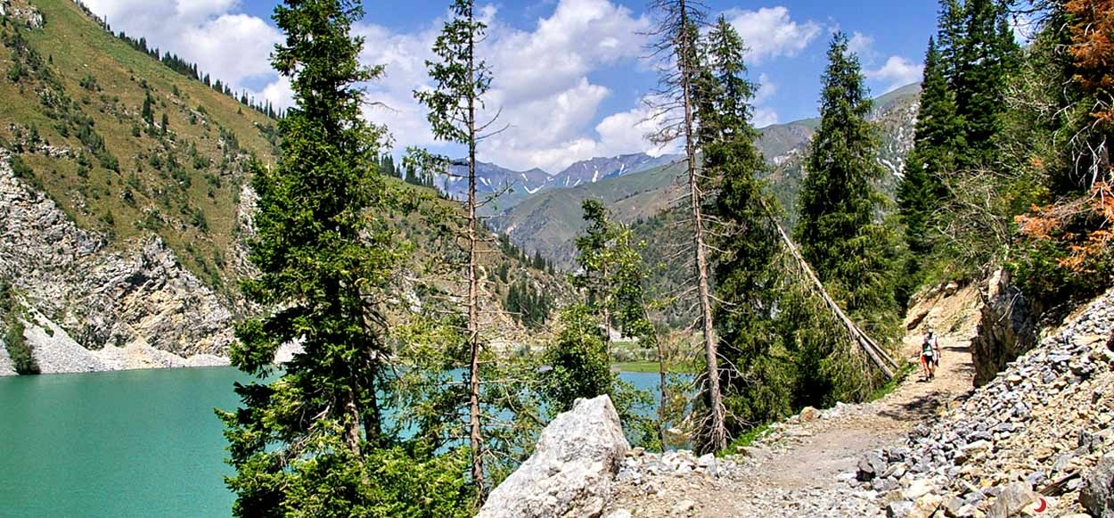 Trekking en Kirguistán del lago Sary Chelek en el Tian Shan