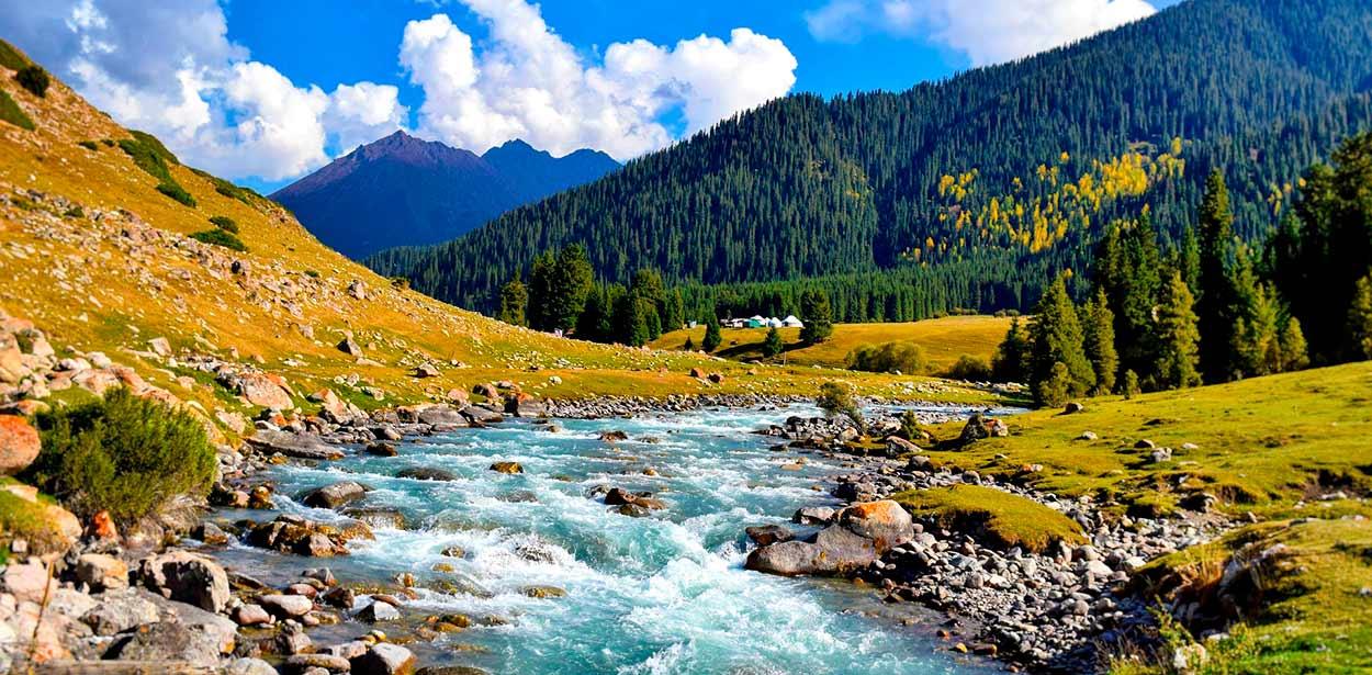 verano en la montaña - 14 Razones para viajar a Kirguistán, el país de las montañas celestiales