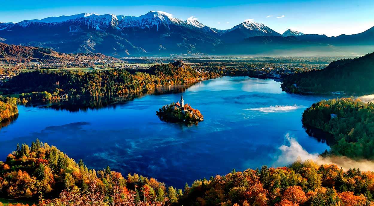 Lago Bled, la imagen emblemática de Turismo de Eslovenia - Bled Island Church - Image by David Mark from Pixabay