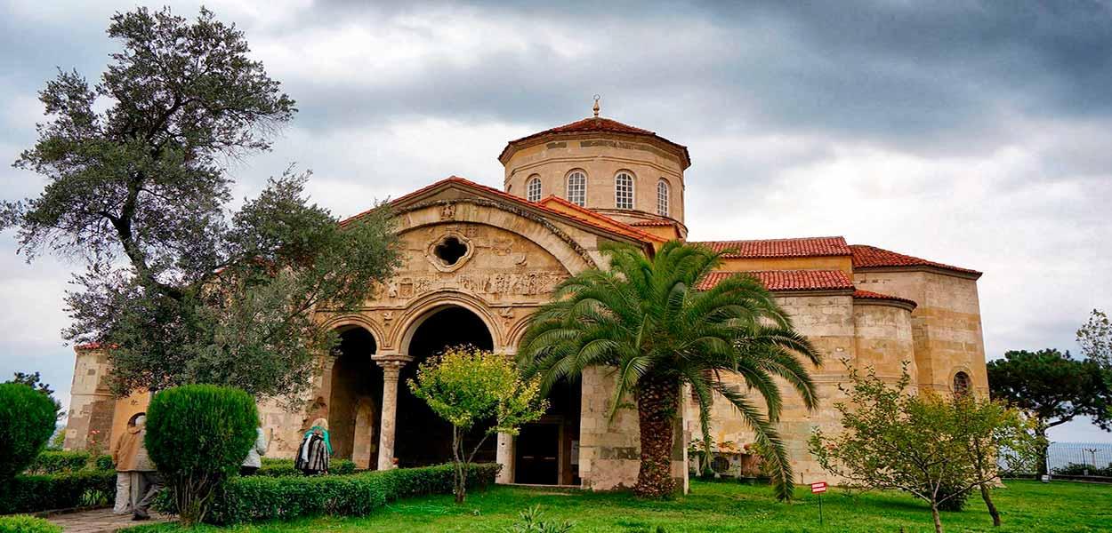 Iglesia de Santa Sofía en Trabzon - Turquía turismo